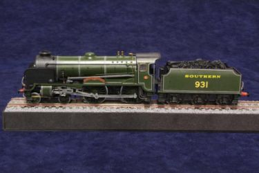 Schools class locomotive photo by JohnTapsell