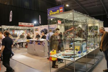 Revell Stand