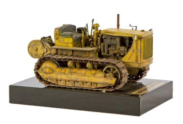 Class 38 Gold, Military Vehicles Category Winner - Caterpillar D7N by Stefan Pasztor