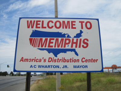 Ingresso di Memphis, città in cui per interi decenni si è proiettato Via Col Vento. Image by Thomas R Machnitzki (Own work) [CC BY 3.0 (http://creativecommons.org/licenses/by/3.0)], via Wikimedia Commons