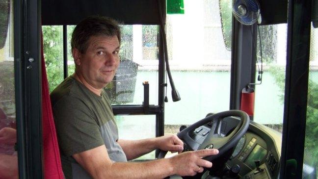 kierowca autobusu, który ruszył na pomoc rannemu motocykliście