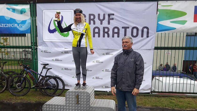 MIlena Bogucka na najwyższym stopniu podium Gryf Maraton MTB