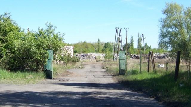 brama wjazdowa na teren po firmie Ekorama