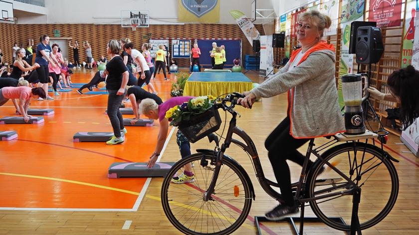mikser napędzany rowerem