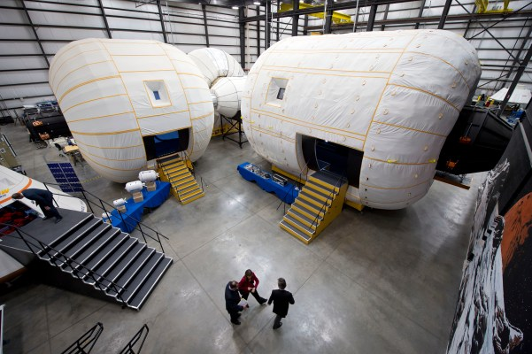 NASA Deputy Administrator Tours Bigelow Aerospace