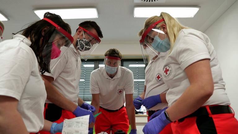 Praktischer Unterricht mit Maske und Faceshield