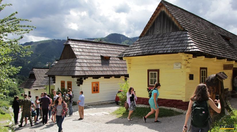 https://i2.wp.com/ipravda.sk/res/2017/07/19/thumbs/vlkolinec-slovensko-turisti-clanokW.jpg