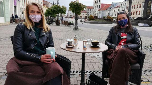 Pivo, káva či obed na terase. Prvé podniky už otvorili - Ľudia - Ekonomika  - Pravda.sk