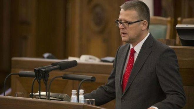 Латвійський міністр подав у відставку через безкоштовну операцію