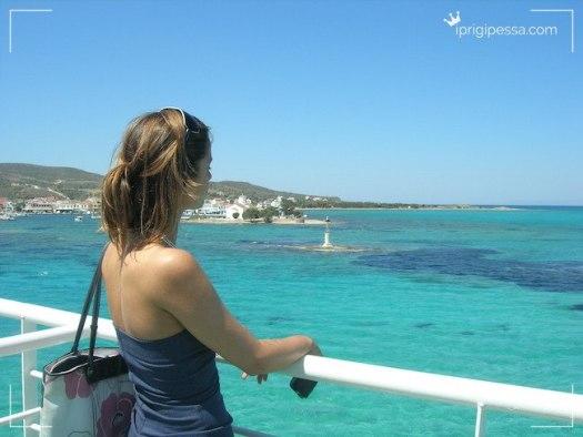 Το γαλάζιο της Ελληνικης θάλασσας το ονειρεύονται όλοι οι ξενιτιμένοι συμπατριώτες μας και αδημονούν να το ξαναντικρύσουν!