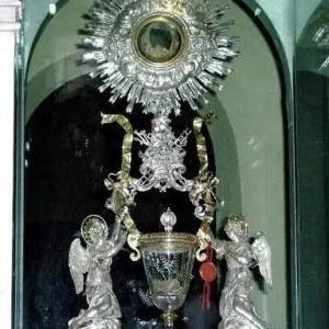 I MIRACOLI EUCARISTICI, dono d'amore ineffabile del S. Cuore di Gesù