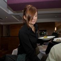 Why Your Waiter Hasn't Gotten a Raise in 22 Years