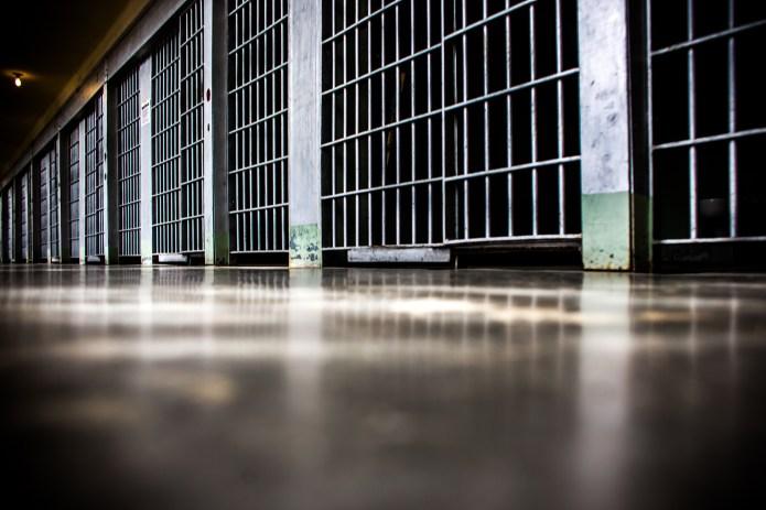 prison-revolving-door