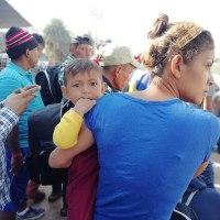 refugee-caravan-mexico