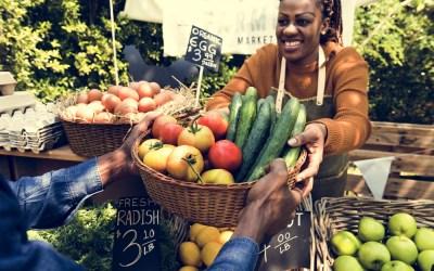 farmers-market-woman-fruit-basket