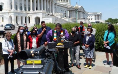 rev. william barber at the third reconstruction event of the poor people's campaign - joined by members of congress