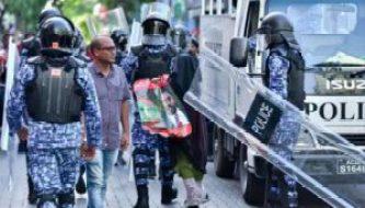 Maldives arrest protestors