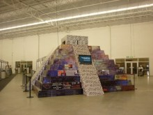 Mayan pyramid of criticism of polluting countries in Cancunmesse.  / Credit:Diana Cariboni/IPS