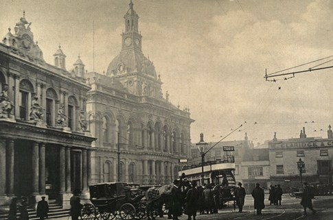 Photo Ipswich Town Hall in 1910s