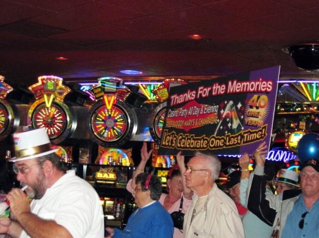 Westward Ho, Las Vegas - closing night November 25, 2005 - dancing on out