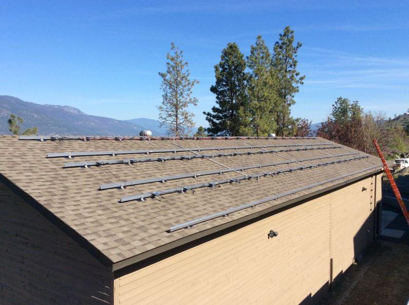 Rooftop solar panel mounts