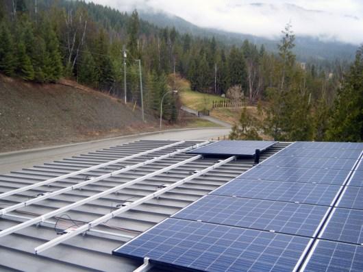 metal-roof-solar-panels-1