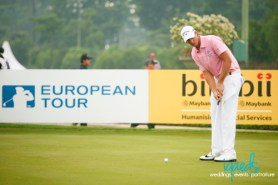 The long hitter Nicolas Colsaerts (BEL) practicing the shortest of shots