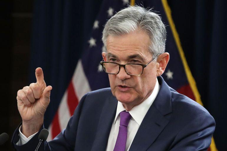轰-6和运-20罕见同框,大小比例清晰可见,右侧飞机造型怪异