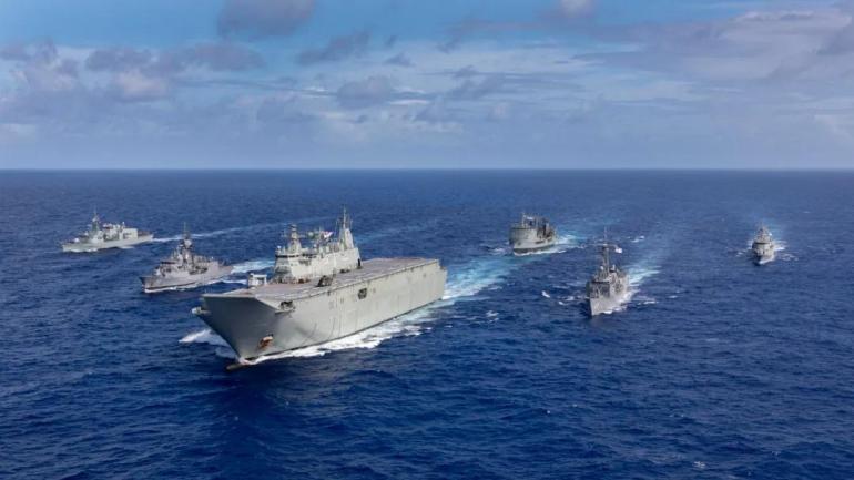 不是轰-20,中国飞龙-2隐形轰炸机横空出世,性能堪比美军B-21