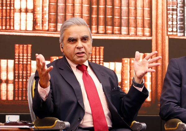 罐頭瓶上有個小開關,輕輕一擰就開,簡單又實用