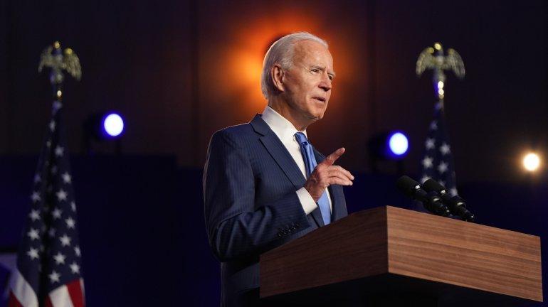 酒店床上這塊布有什麼用?女服務員說出原因後漲知識了