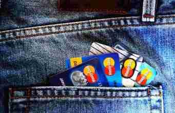 E-Wallet-vs-Bank Astraleum