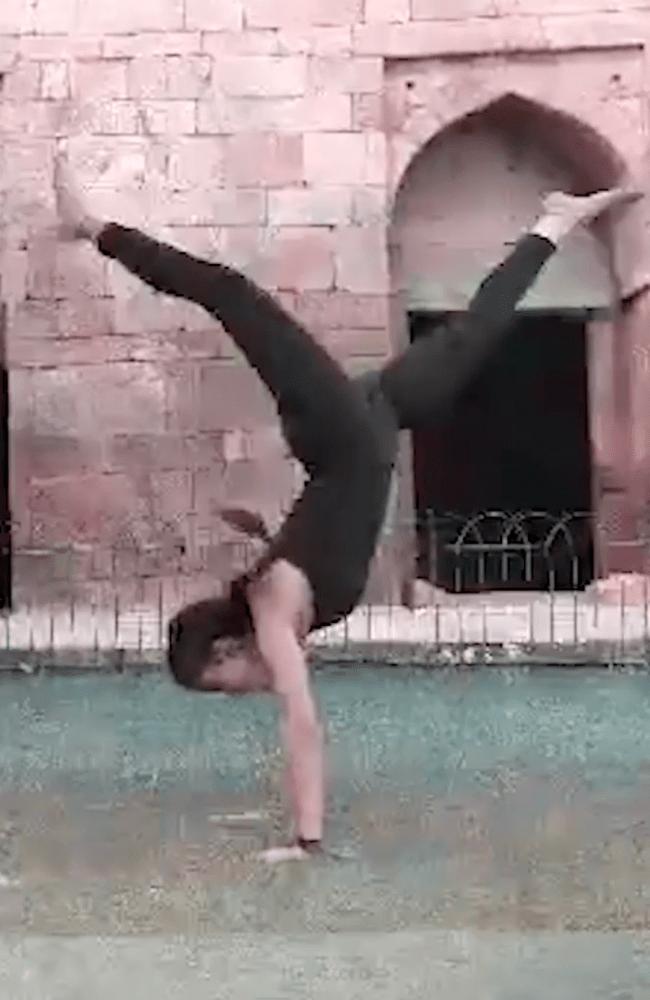 Dance_10-min