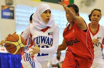 Rabab Abdullahi playing in Singapore in 2009