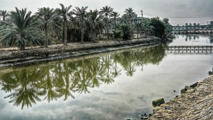عناق النهرين