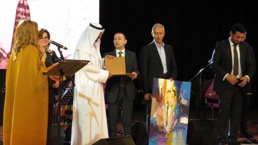 تكريم الشيخ يوسف خلف راعي الحفل