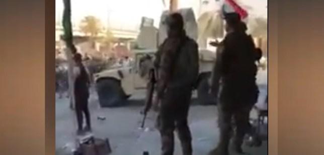 الجيش والمتظاهرين في وسط نيران كثيفة