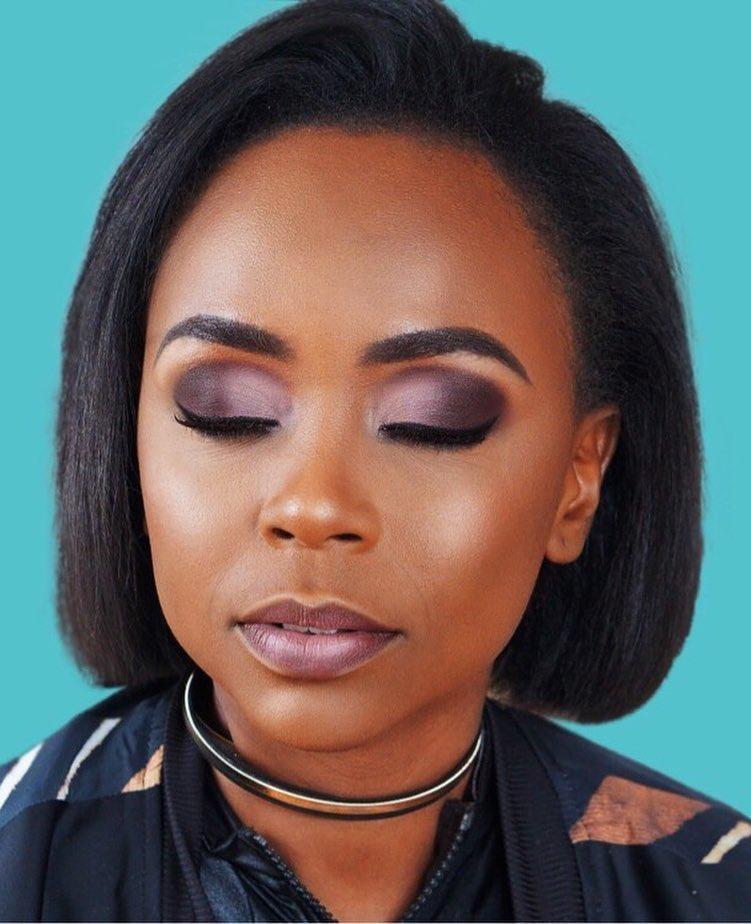 Maureen Ayité de Nanawax maquillée par Dibawssette