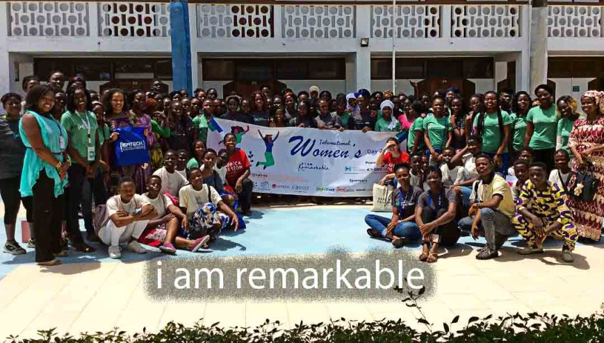 Women's-International-Day-Irawotalents-Photo-de-famille