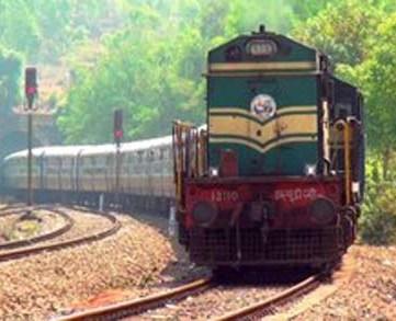 Railway diverted 12313 Sealdah rajdhani express 8 May 15