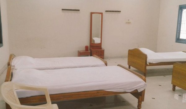 Retiring room at Thirutani can now be booked online