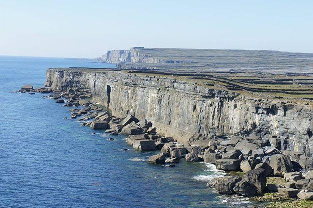 cliffs inis mor
