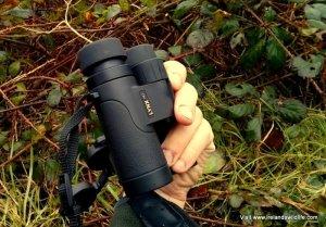 Lynx HD Binocular in the hand