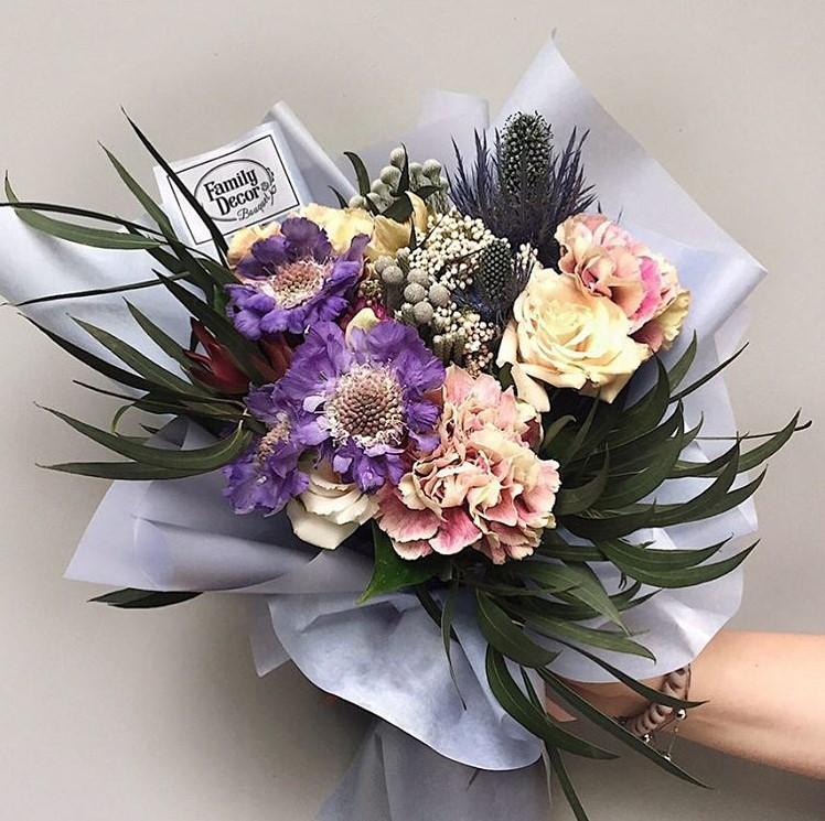 списке букеты цветов на свадьбу в подарок цены