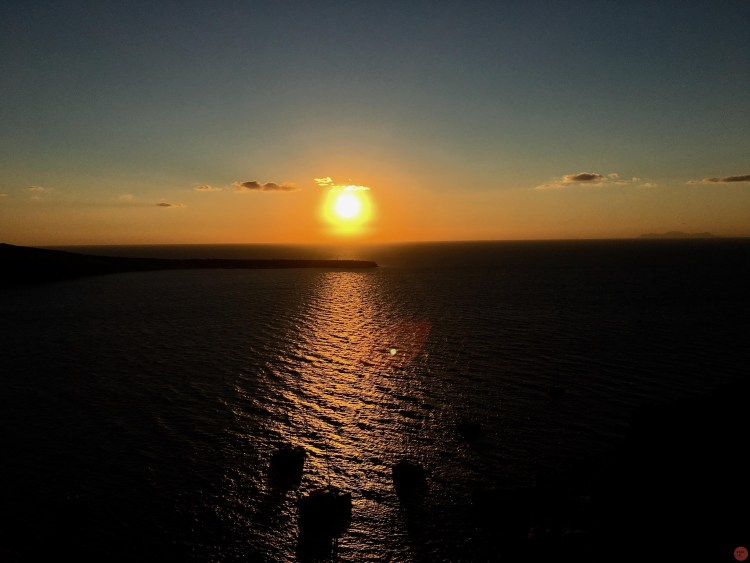 聖托里尼火山島一日遊
