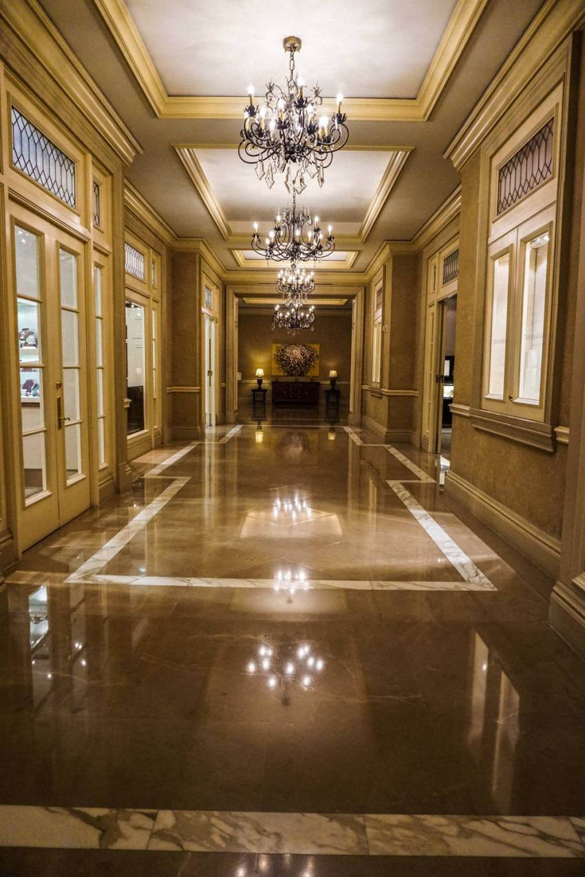 Ritz-Carlton-Four-Seasons-3