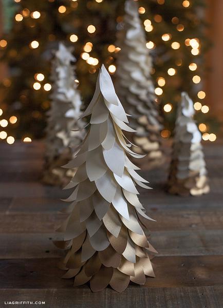 Woodland Wonderland Mini Ombre Christmas Tree