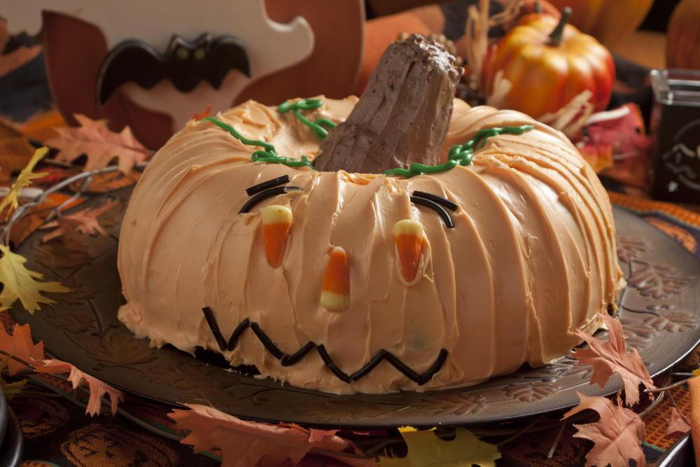 Ghoulish Halloween Cake Mrfood Com