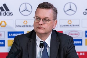 UEFA vice-president Reinhard Grindel has announced his resignation
