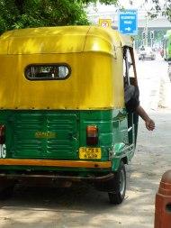 Tuktuk Fahrer schlafend